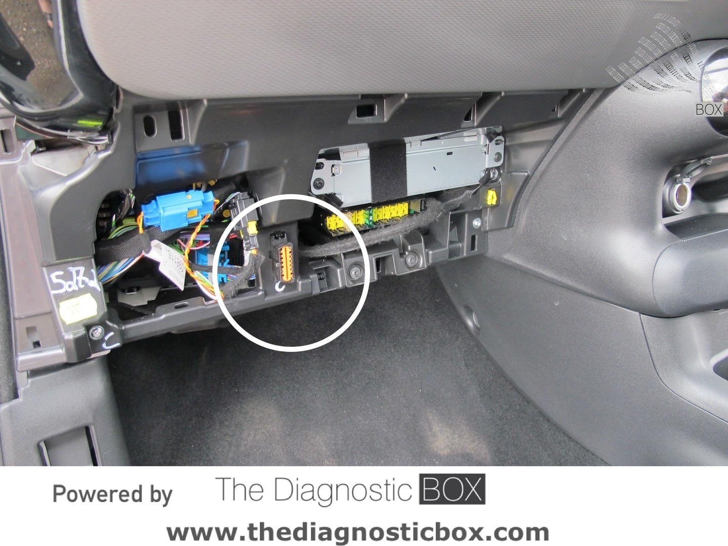 obd2 connector location in citroen ds4 2011 2015. Black Bedroom Furniture Sets. Home Design Ideas