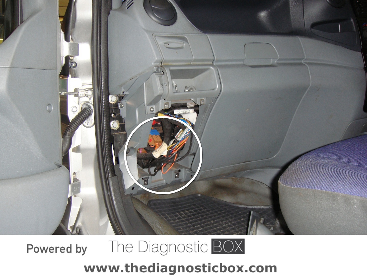 Kia Sedona Starter Bolts Location besides Saturn Relay 3 5 2005 Specs And Images likewise 3wpax Engine Control Module 2004 Kia Optima also 2003 Ford Taurus 3 0 Fuse Box Diagram together with Honda Cr V Fuel Filter Location. on 2003 kia spectra wiring diagram